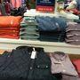 Ralph Lauren outlet: a 45 eurós ingért, 60 eurós pulcsiért és 150 eurós mellényért is ölre mentek a távol-keleti turisták.