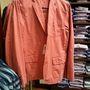 Ralph Lauren outlet: a nagyméretű rózsaszín férfizakó megmaradt, de már csak 50 euróba kerül.