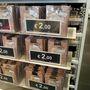 Calzedonia outlet: 620 forintos harisnyák.