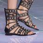 Fausto Puglisi  szerint az efféle cipők is divatosak lesznek 2015 nyarán.