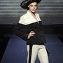 Csupán a női és férfi ruházatot valamint a kiegészítők gyártását fújja le, hogy teljes gőzzel az haute couture vonalára és a parfümökre koncentrálhasson.