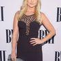 Miranda Lambert amerikai country énekesnő ehhez képest fantáziátlanul csak a nevét íratta fel a drága táskára.