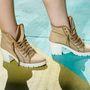 A fehér talpú lábbelik is kikopnak a divatból az ősszel.