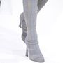 Idén is szerettük a Dior hímzett bársony cipőit.