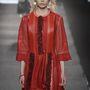 Louis Vuitton 2015 tavasz-nyár : a piros ruha az egyik kedvencünk a kollekcióból.