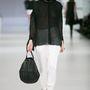 Konsánszky Dóra: a fekete-fehér páros nem emgy ki a divatból.
