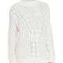 A Neiman Marcusnál 18.995 forintba kerül egy fehér kötött garbó.