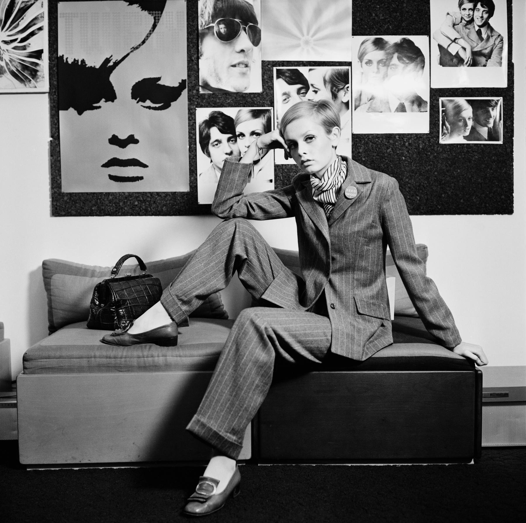 0451e981c1 Gisele Bündchent Karl Lagerfeld kapta lencsevégre csíkosban a Chanel  2015-ös tavaszi-nyári kampányába ...
