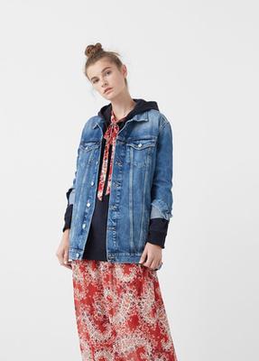 A Levi's piacra dobta az egyik legnépszerűbb, 1969 óta divatban tartott fazonját is.